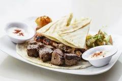 Bliskowschodni karmowy mieszany bbq grill piec na grillu mięso ustalonego posiłek Obraz Stock