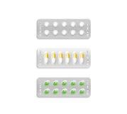 Blister con bianco ed il modello colorato delle pillole, percorso di ritaglio Fotografie Stock