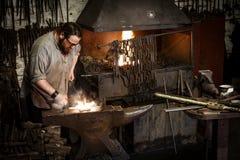 Blists小山维多利亚女王时代博物馆的铁匠 库存图片
