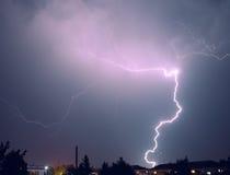 Blitz über der Stadt Lizenzfreies Stockfoto