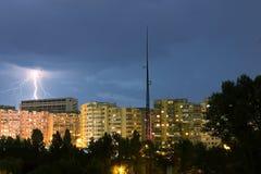 Blitz über der Stadt Stockfoto