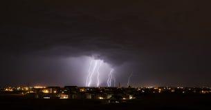 Blitz über Kleinstadt Lizenzfreie Stockfotografie
