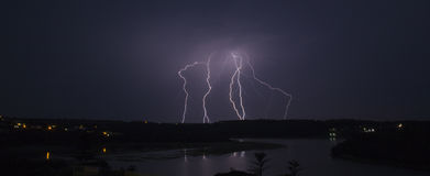 Blitz über Quinera Lizenzfreie Stockfotos