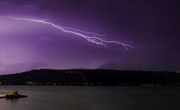 Blitz über Souda Schacht Stockfotografie