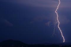 Blitz auf dem Horizont Stockbild