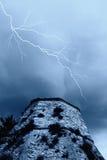 Blitz auf dem Kontrollturm Stockfoto