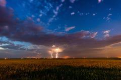 Blitz auf einem Gebiet Stockbild