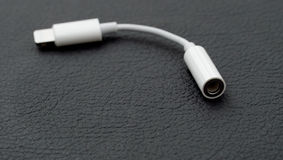 Blitz bis 3 5 Millimeter-Kopfhörer Jack Adapter Stockfoto