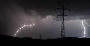 Blitz in der Stromleitung Stockfotos