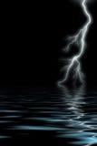 Blitz durch das Meer Stockbild