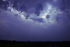 Blitz in einem Sturm Lizenzfreie Stockbilder
