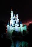 Blitz hinter dem magischen Königreich Stockfotografie