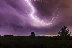 Blitz im Himmel nachts Lizenzfreies Stockbild
