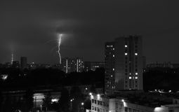 Blitz im Himmel Schwarzweiss Stockfotos