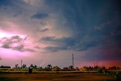 Blitz im nächtlichen Himmel Lizenzfreie Stockbilder