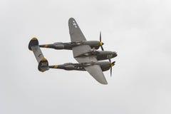 Blitz Lockheeds P-38 auf Anzeige Stockbild