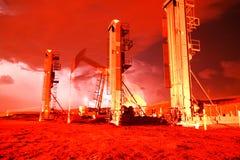 Blitz nahe einem Produktionsstandort Lizenzfreie Stockfotos