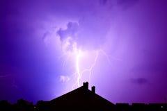 Blitz schlug das Haus Lizenzfreie Stockbilder