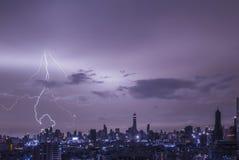 Blitz strom in Gebäude Stockbilder