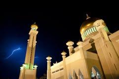 Blitz - Sultan Omar Ali Saifuddien Mosque - Br Stockfotos