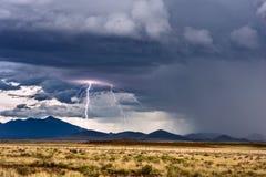 Blitz und Gewitter Lizenzfreie Stockfotos