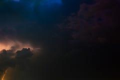 Blitz und Sturm - skyscape Lizenzfreies Stockfoto