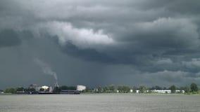 Blitz und Sturm-Wolken, Fraser River 4K, UHD stock footage