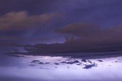 Blitz und Wolken Lizenzfreie Stockfotos
