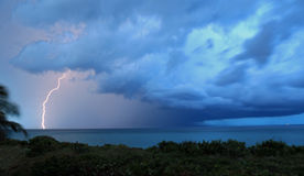 Blitz von einem Gewitter Lizenzfreie Stockfotografie