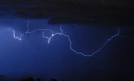 Blitz - Wolke zum sich zu bewölken Lizenzfreies Stockfoto