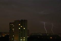 Blitz zwei im Himmel Stockbilder