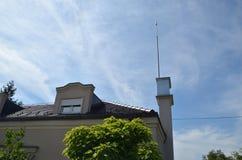 Blitzableiter auf ein Gebäude Stockbild