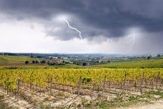 Blitze auf dem Tal Lizenzfreie Stockfotografie