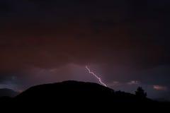 Blitze in der Nacht Lizenzfreies Stockfoto