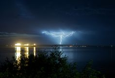 Blitze im Hafen Angeles Stockfoto