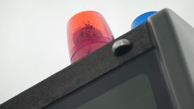 Blitzen-rote Lichter auf einem Löschfahrzeug stock video