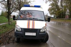 Blitzgeber des roten Lichtes auf einem Polizeiwagen Lizenzfreies Stockfoto