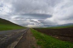 Blitzlandschaft mit Sturmwolken Lizenzfreies Stockbild