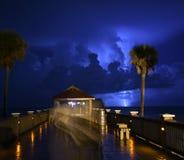 Blitzschläge nahmen von der Clearwater-Strandtorte gefangen stockfoto