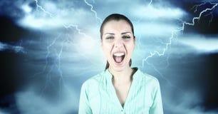 Blitzschläge und Frau, die schreien Stockfoto