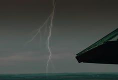 Blitzschlag auf Landschaft Stockfotografie