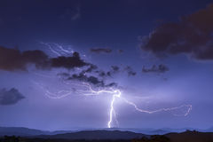 Blitzschlag-Grundamboss-Raupen Stockfotografie