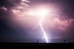 Blitzschlag nachts Lizenzfreies Stockbild