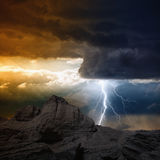 Blixt i berg Royaltyfri Fotografi