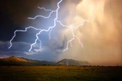 Blixt i en storm Royaltyfri Fotografi