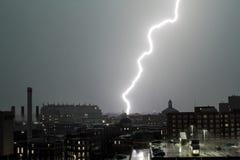 Byggnader för blixtslag Royaltyfri Bild