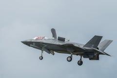Blixt2 som för F-35 svävar arkivfoto