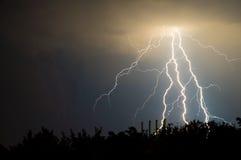 blixtar och åska Arkivbilder