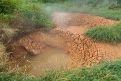 Bliznetsy paart Mudpot im Tal von Geysiren Stockfotos