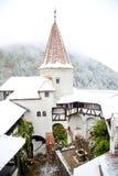 Blizzard über Kleie-Schloss Stockfotos